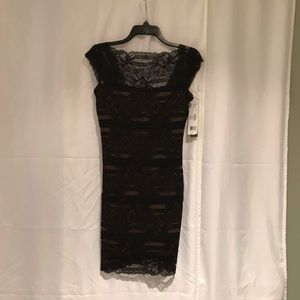 NICOLE MILLER - BLACK LACE DRESS WOMENS  MEDIUM